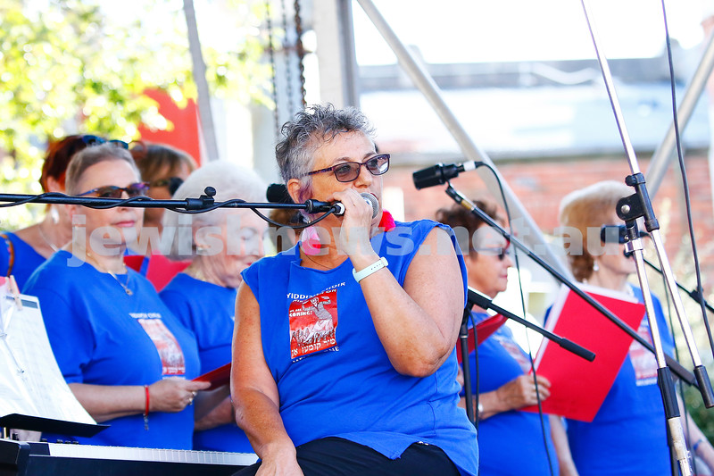 17-3-18. In One Voice street festival, Elsternwick. Tomi Kalinski with the Mir Kumon On Choir . Photo: Peter Haskin