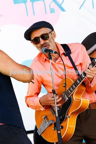 17-3-18. In One Voice street festival, Elsternwick. Willy Zygier. Photo: Peter Haskin
