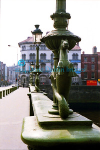 The seahorses of Grattan Bridge - Image 5