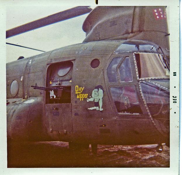 Chinook W/ M-60 door gun