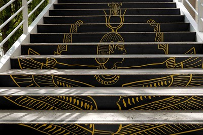 DSC00167 Steps to Exhibit-Egyptian Decoration CU