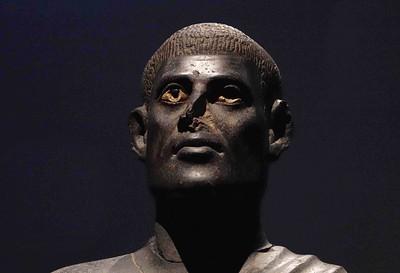 DSC00193 Black Basalt Statue ISO 6400