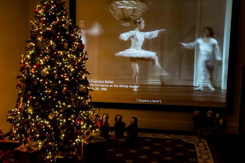 DSC01691 SFO Ballet at White House