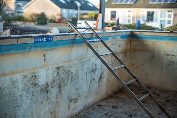 13-12-2020 - Zwembad De Duker, Nijeveen maakt plaats voor woniningen. foto: Wim Goedhart