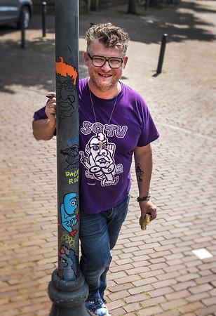Pieter Zandvliet, Nieuwleusen. Multicreatief tekenaar die schildert.