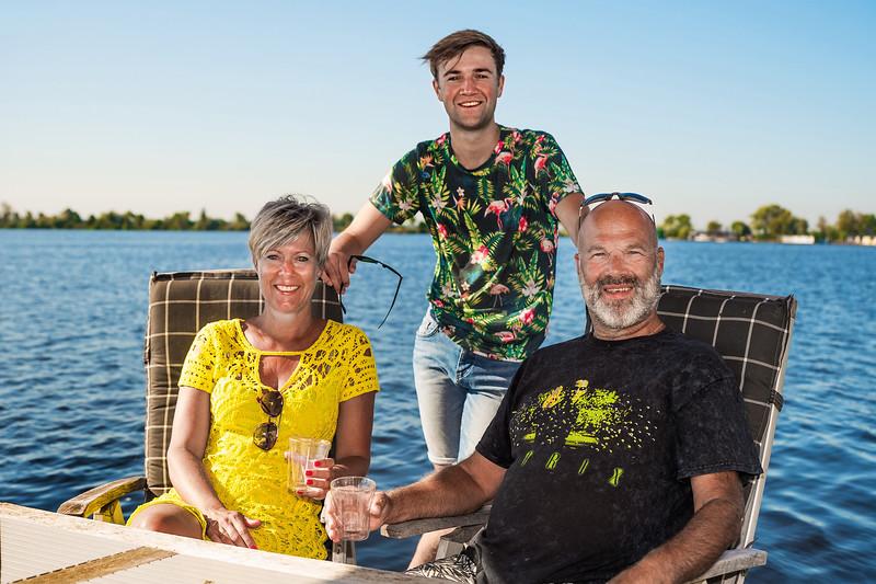 Romy, Appie en Koen (zoon) Snoeijenbos. Wanneperveen