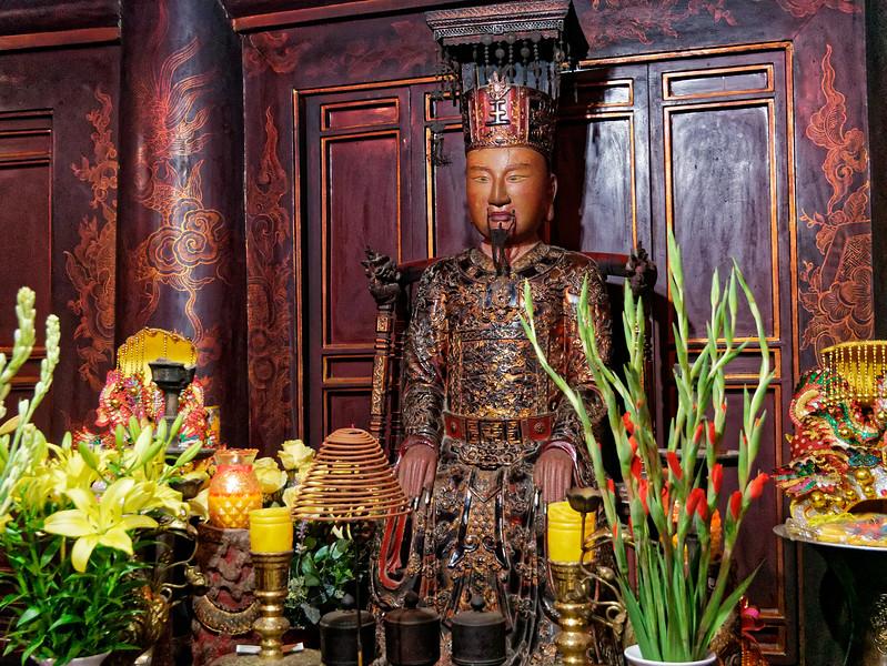 Image honoring King Le Dai Hanh