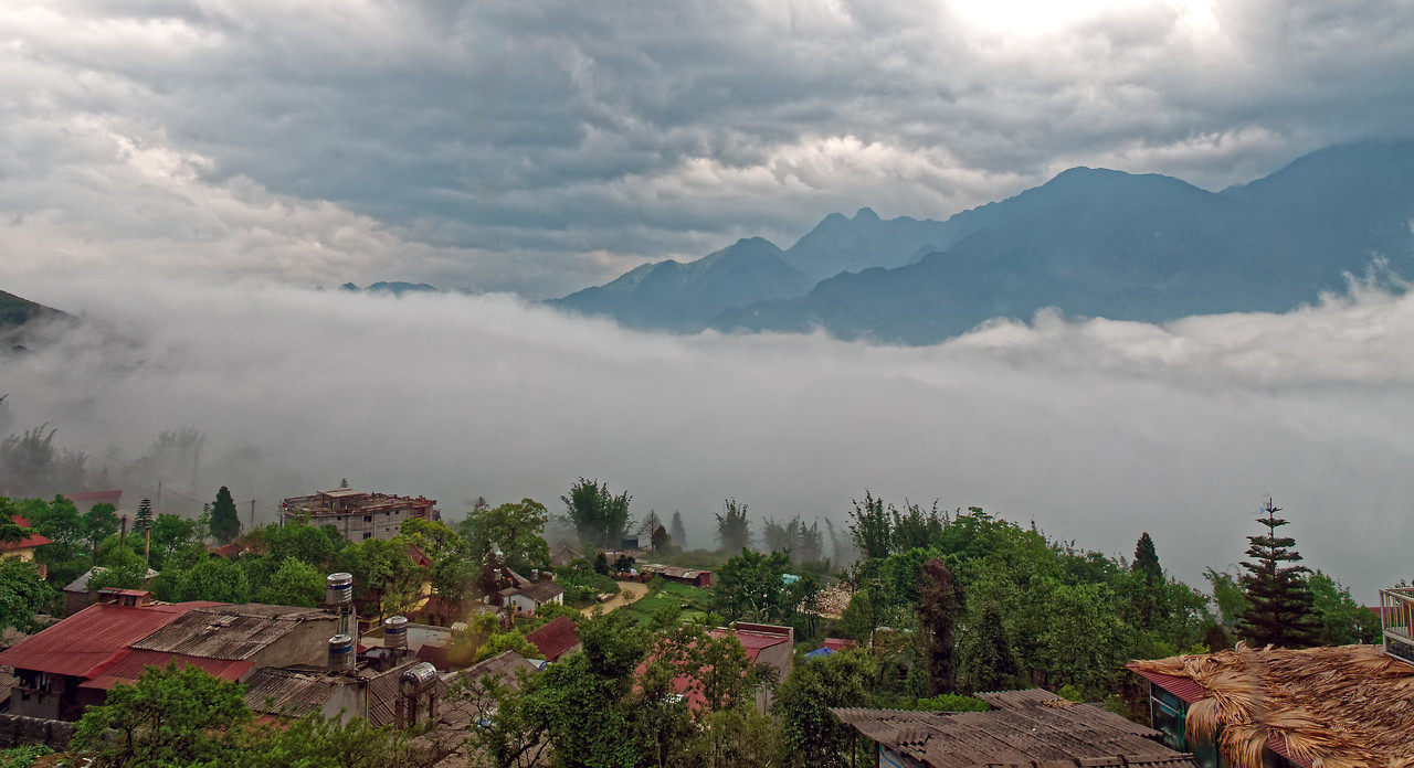 A view of the mountains from Sapa town