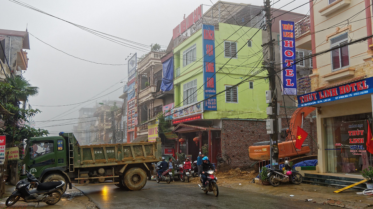 A street in downtown Sapa