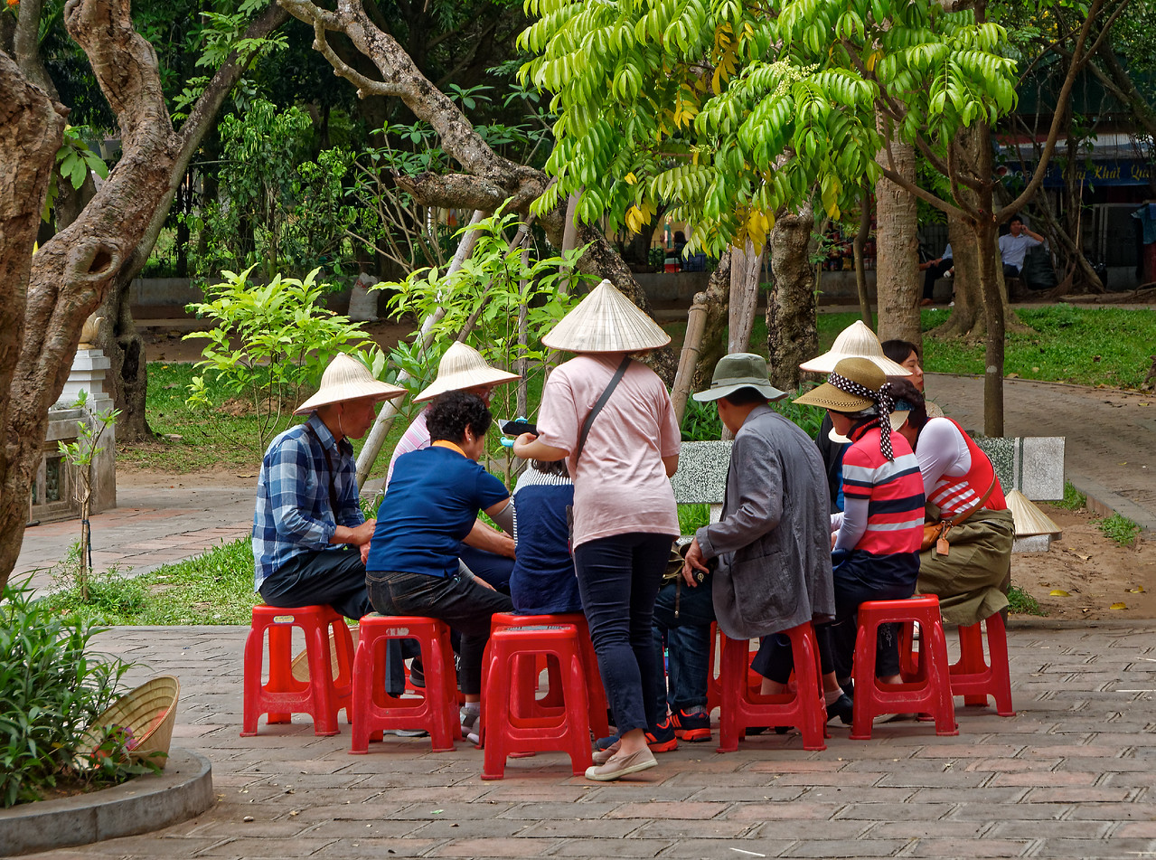 Visitors to the One Pillar Pagoda