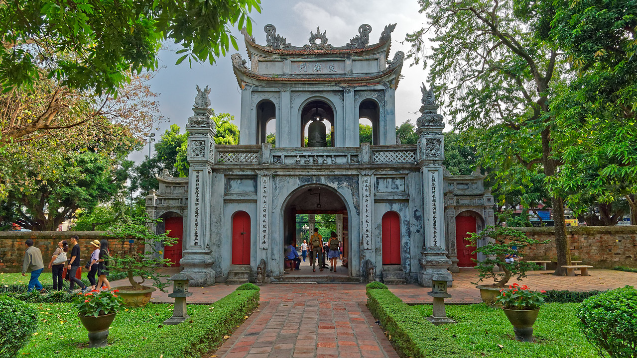Approaching the main entry pavilion while leaving the temple grounds
