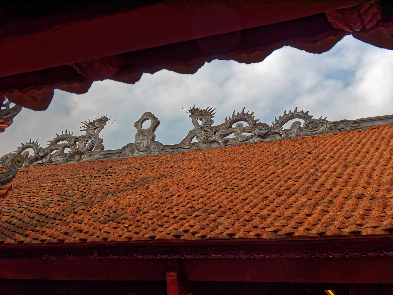 Dragons on the roof at the Temple of Literature