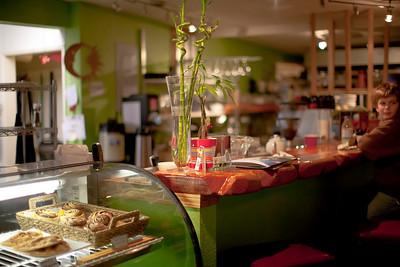 Il Caffe Rifugio pastry case and lunch counter