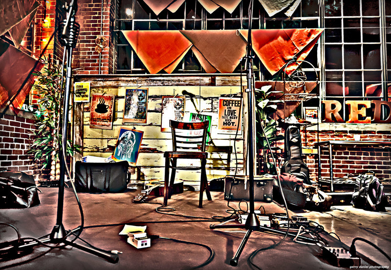 Stage setup for Daphne Willis and Angel Snow at the Red Cat Coffee House, Birmingham, AL.