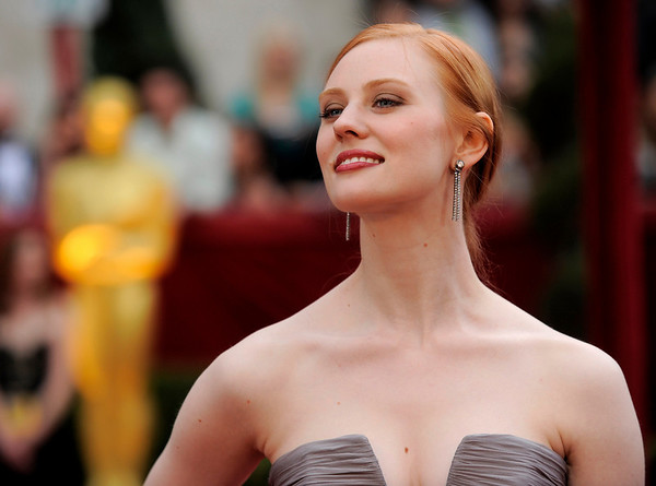 Deborah Ann Woll arrives at the 82nd Academy Awards Sunday,  March 7, 2010, in the Hollywood section of Los Angeles. (AP Photo/Chris Pizzello)