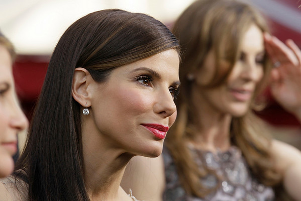 "Sandra Bullock, nominated for best performance by an actress in a leading role for ""The Blind Side,"" arrives at the 82nd Academy Awards Sunday, March 7, 2010, in the Hollywood section of Los Angeles.  (AP Photo/Amy Sancetta)"
