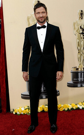 Gerard Butler arrives during the 82nd Academy Awards Sunday,  March 7, 2010, in the Hollywood section of Los Angeles. (AP Photo/Matt Sayles)
