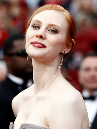 Deborah Ann Woll arrives during the 82nd Academy Awards Sunday,  March 7, 2010, in the Hollywood section of Los Angeles. (AP Photo/Matt Sayles)
