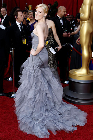 Elizabeth Banks arrives during the 82nd Academy Awards Sunday,  March 7, 2010, in the Hollywood section of Los Angeles. (AP Photo/Matt Sayles)