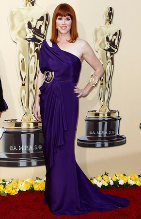Molly Ringwald arrives during the 82nd Academy Awards Sunday,  March 7, 2010, in the Hollywood section of Los Angeles. (AP Photo/Matt Sayles)