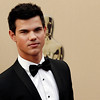 Taylor Lautner arrives during the 82nd Academy Awards Sunday,  March 7, 2010, in the Hollywood section of Los Angeles. (AP Photo/Matt Sayles)
