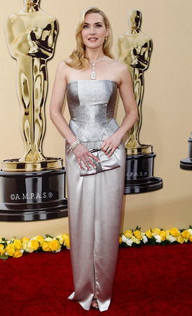 Kate Winslet arrives during the 82nd Academy Awards Sunday,  March 7, 2010, in the Hollywood section of Los Angeles. (AP Photo/Matt Sayles)