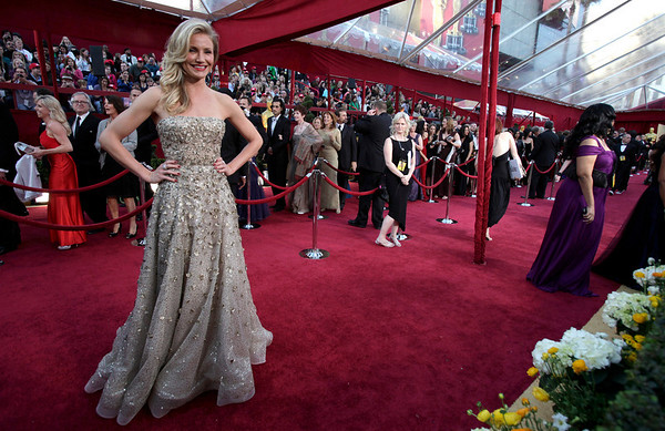 Cameron Diaz arrives at the 82nd Academy Awards Sunday,  March 7, 2010, in the Hollywood section of Los Angeles. (AP Photo/Amy Sancetta)