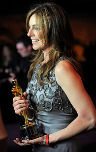 Kathryn Bigelow holds her Best Director Oscar the Governors Ball following the the 82nd Academy Awards Sunday,  March 7, 2010, in the Hollywood section of Los Angeles. (AP Photo/Chris Pizzello)