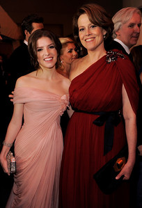 Anna Kendrick, left, and Sigourney Weaver attend the Governors Ball following the the 82nd Academy Awards Sunday,  March 7, 2010, in the Hollywood section of Los Angeles. (AP Photo/Chris Pizzello)