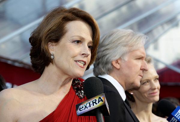 Sigourney Weaver, James Cameron and his wife Suzy Amis arrive at the 82nd Academy Awards Sunday,  March 7, 2010, in the Hollywood section of Los Angeles. (AP Photo/Amy Sancetta)