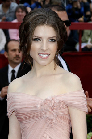 Anna Kendrick arrives at the 82nd Academy Awards Sunday,  March 7, 2010, in the Hollywood section of Los Angeles. (AP Photo/Amy Sancetta)