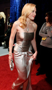 Kate Winslet is seen backstage at the 82nd Academy Awards Sunday,  March 7, 2010, in the Hollywood section of Los Angeles. (AP Photo/Chris Carlson)