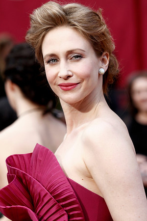 Vera Farmiga arrives during the 82nd Academy Awards Sunday,  March 7, 2010, in the Hollywood section of Los Angeles. (AP Photo/Matt Sayles)