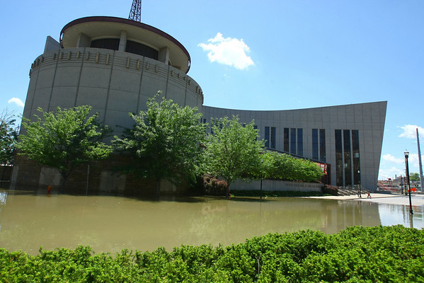 The Country Music Hall of Fame is surrounded by water in downtown Nashville, Tenn. Monday, May 3, 2010, as water continues to rise from the Cumberland River. (AP Photo/The Tennessean, Larry McCormack)