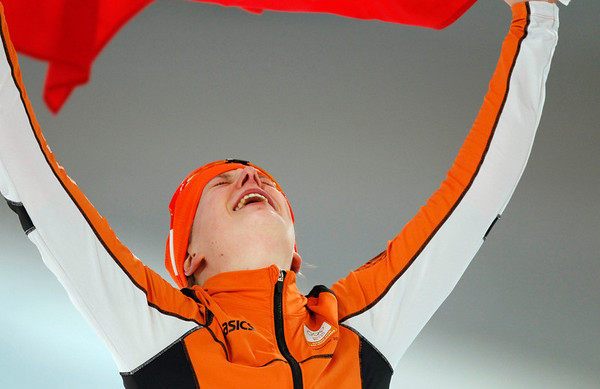 Gold medallist Netherlands's Ireen Wust reacts after the 1500 meters race at the Richmond Olympic Oval at the Vancouver 2010 Olympics in Vancouver, British Columbia, Sunday, Feb. 21, 2010. (AP Photo/Chris Carlson)
