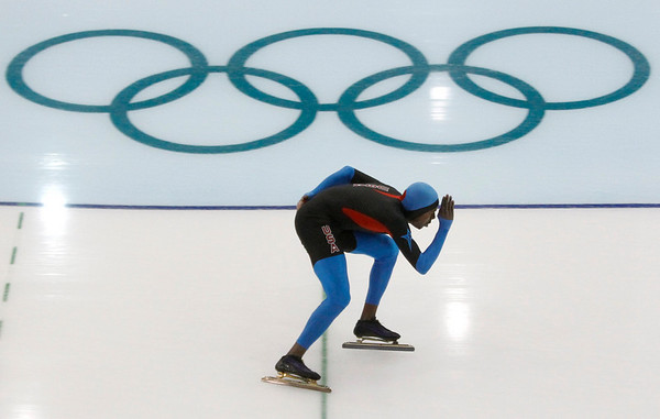 American speed skater Shani Davis trains at the Richmond Olympic Oval at the Vancouver 2010 Olympics in Vancouver, British Columbia, Thursday, Feb. 11, 2010. (AP Photo/Kevin Frayer)