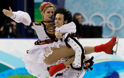 USA's Tanith Belbin and Benjamin Agosto perform their original dance during the ice dance figure skating competition at the Vancouver 2010 Olympics in Vancouver, British Columbia, Sunday, Feb. 21, 2010. (AP Photo/Amy Sancetta)