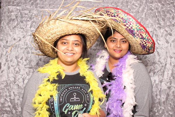 2017Sept20-InTouch-Photobooth-0023