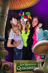 ©IN-A-FLASH PHOTO BOOTHS INTERACTIVE PHOTO EXPERIENCE™