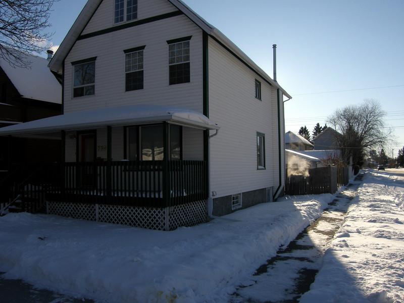739 19th. Avenue con nieve (poca en este caso)