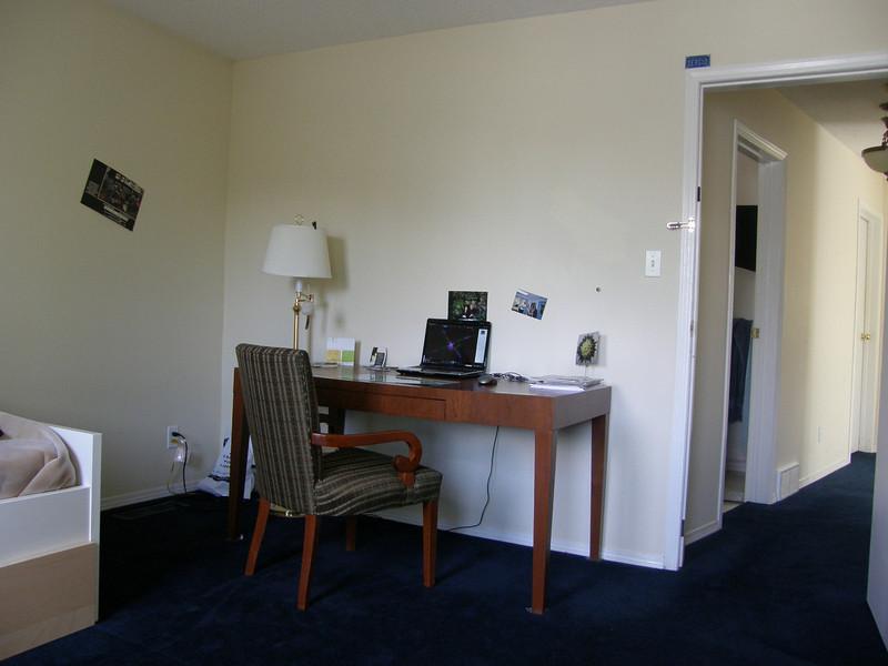 Mesa ordenada y ordenador