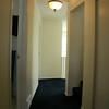 Pasillito del primer piso. A la izq. el bano, a la derecha la escalera que lleva al segundo piso