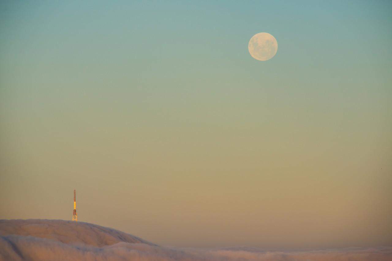 Full moon over Mt Cargill