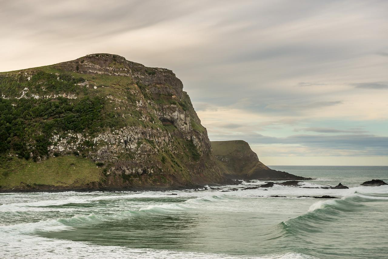 Te Akatapu and Quion Cliff, Ryans Beach