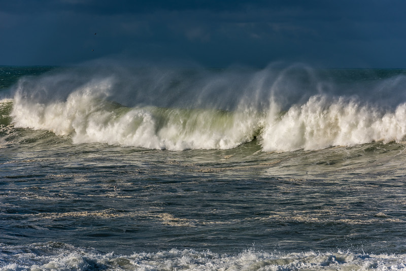 Rough seas at Te Whakarekaiwi. Otago Peninsula, Dunedin.