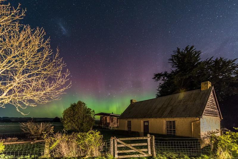 Aurora australis over the Old Sod Cottage, Milton. 20 September 2015 h23:57