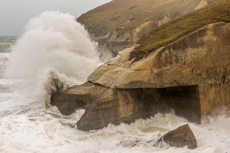 Tunnel Beach in a storm - 7b