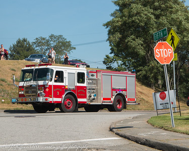 Danvers Engine 5 arriving at the fire scene.