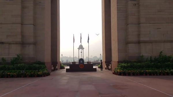 India Gate and Qutb Complex, Delhi video