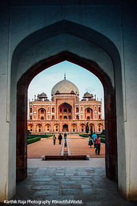 View through the West Gate, Humayun's tomb, Delhi